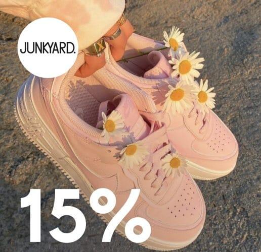 15% rabatt på sneakers. deal image.
