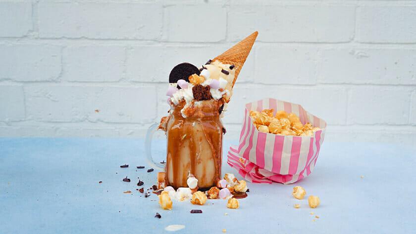 Eiscreme und Popcorn